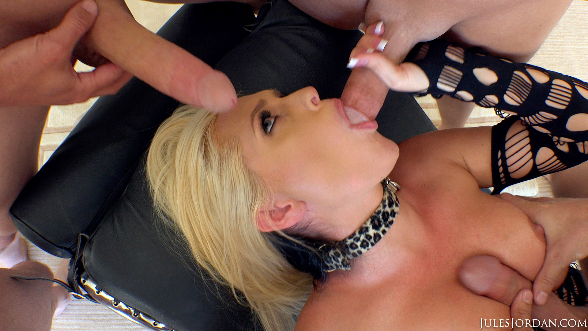 Mouth full of cream for a muscle diva - 1 part 3