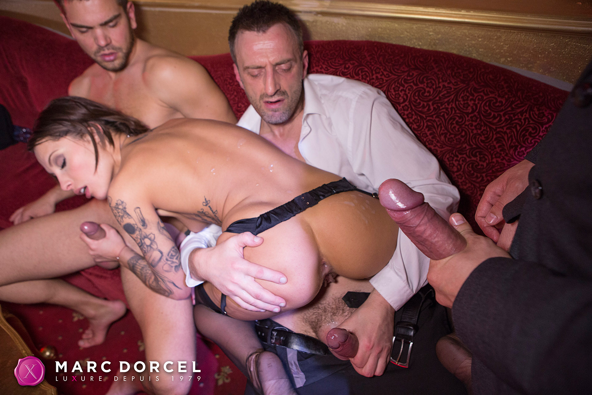 Nikita Bellucci In Hardcore Sex Party With 4 Men - 4K Free -4729