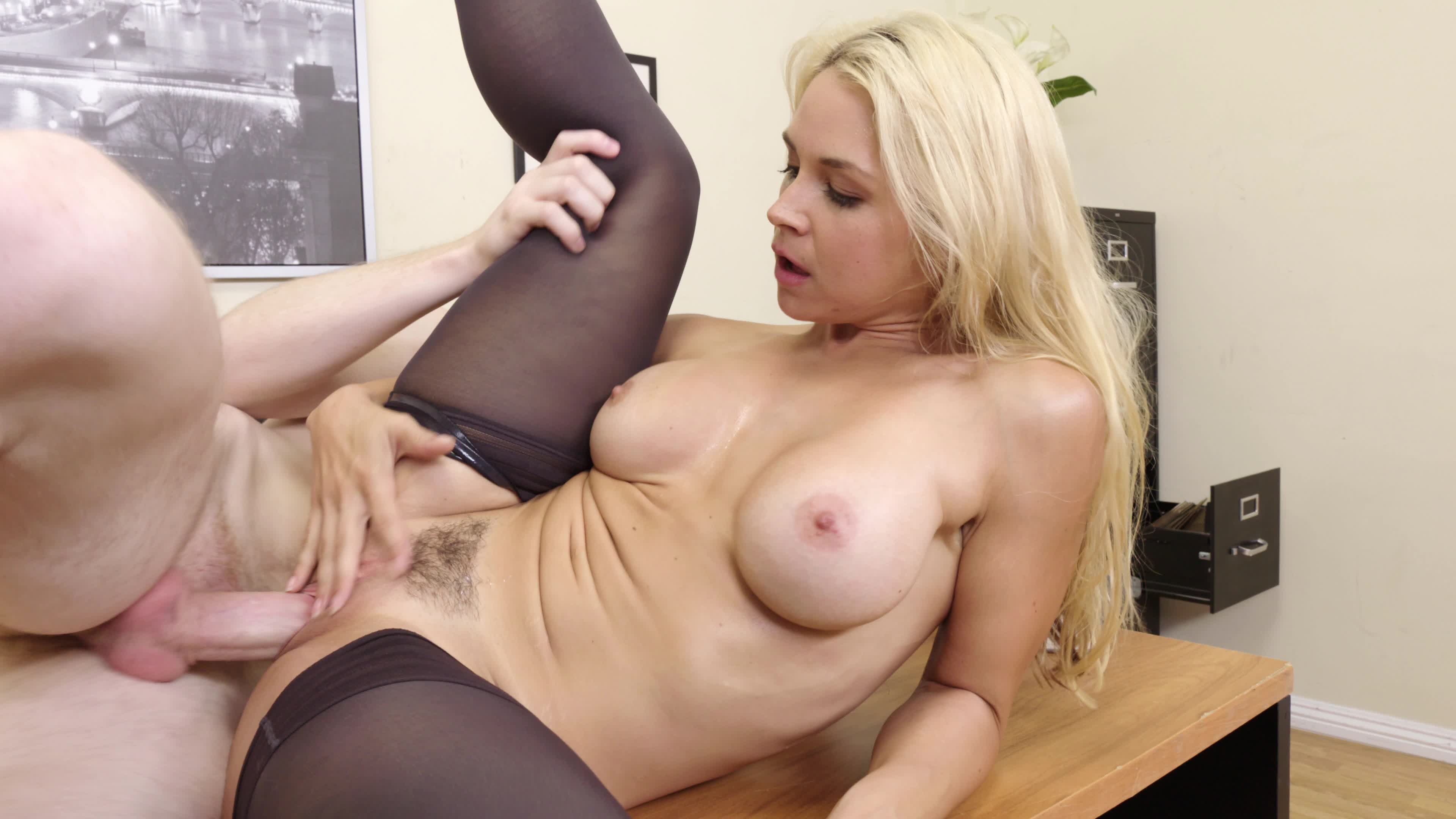 hot-blonde-milf-videos-and-hd