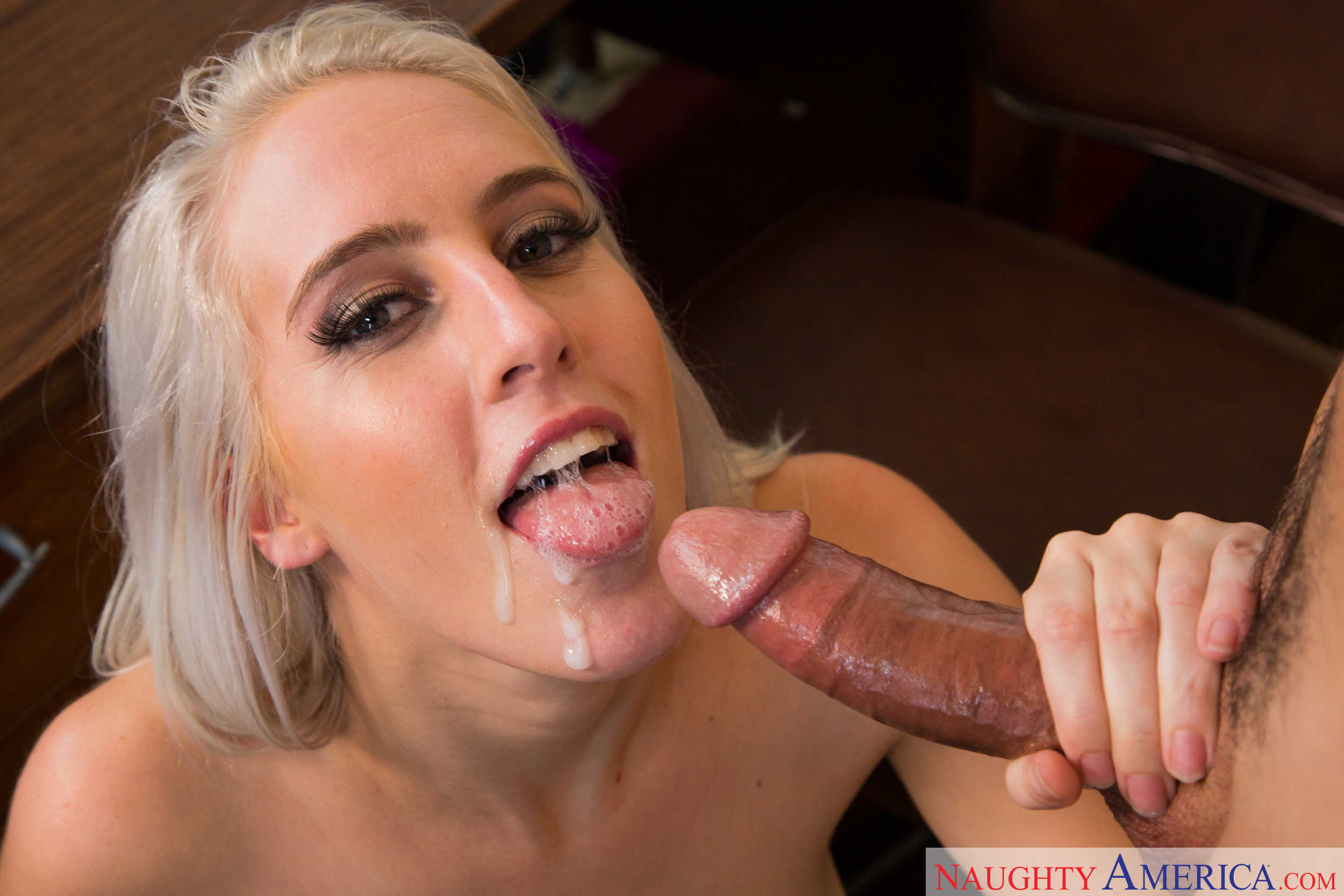 Wankz hot blonde and huge stubby cock - 5 5