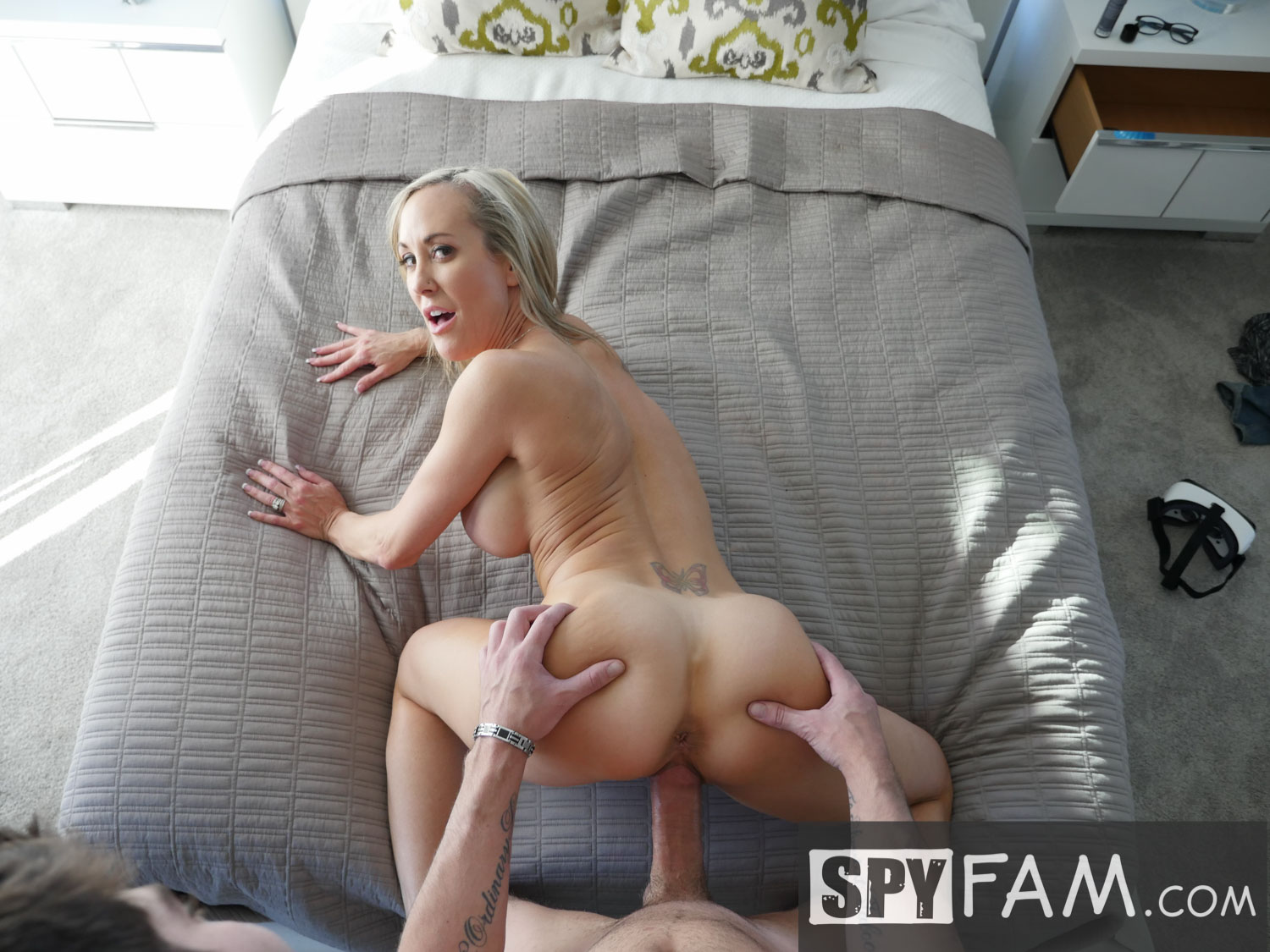 Naughty milf surprises her man with a hot blowjob